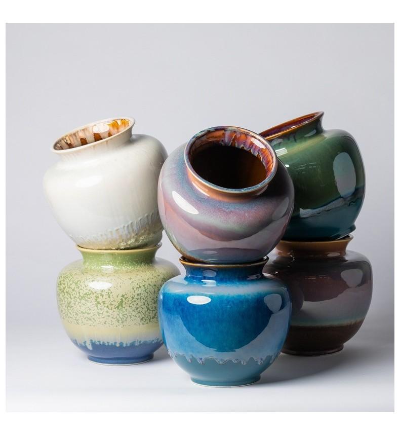 Keramická váza s barevnou glazurou
